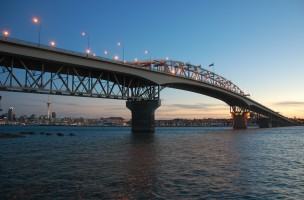 Auckland_Harbour_Bridge_Sunset
