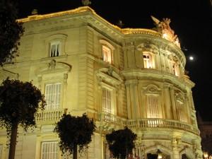 Palacio_de_Linares_(Madrid)_01